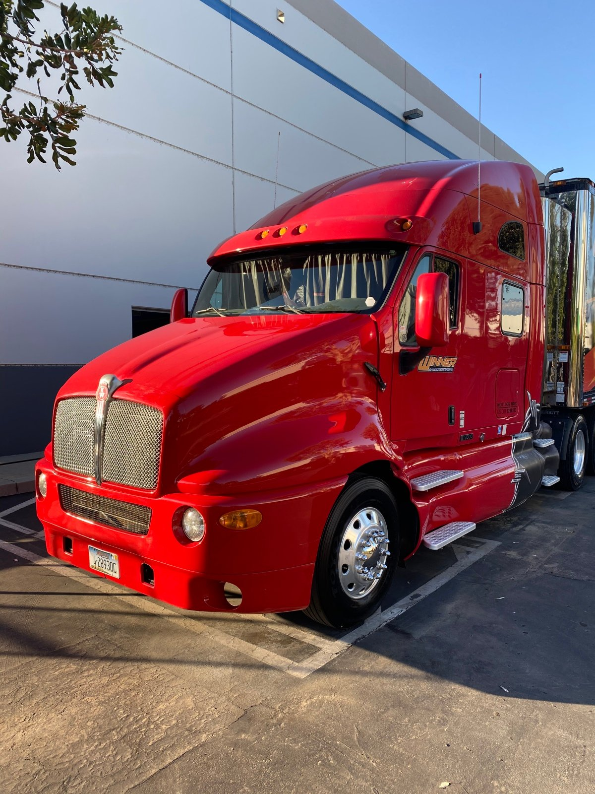 For Sale: 2003 Kenworth T2000 Tractor - photo0