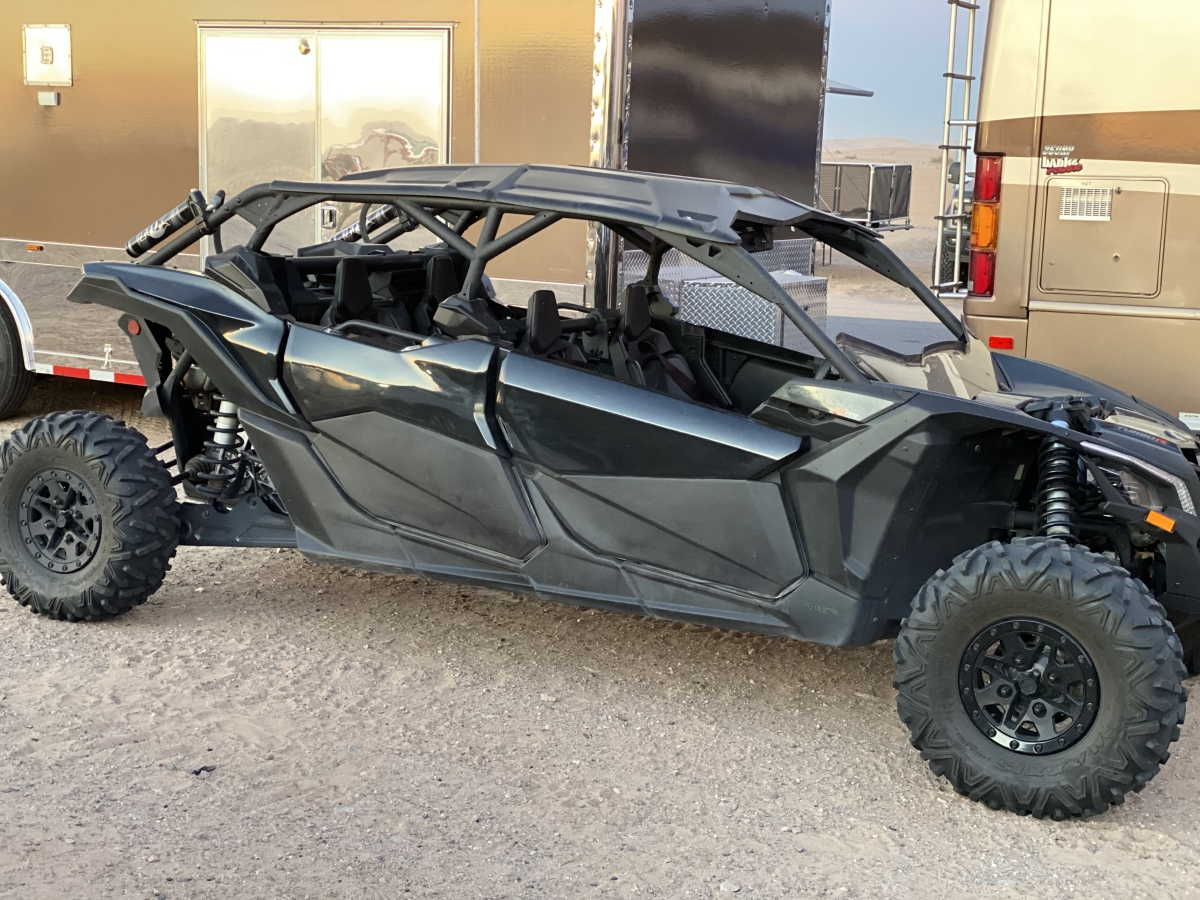 For Sale: Can Am 4 Seatet XRS X3 172hp Mint condition - photo0