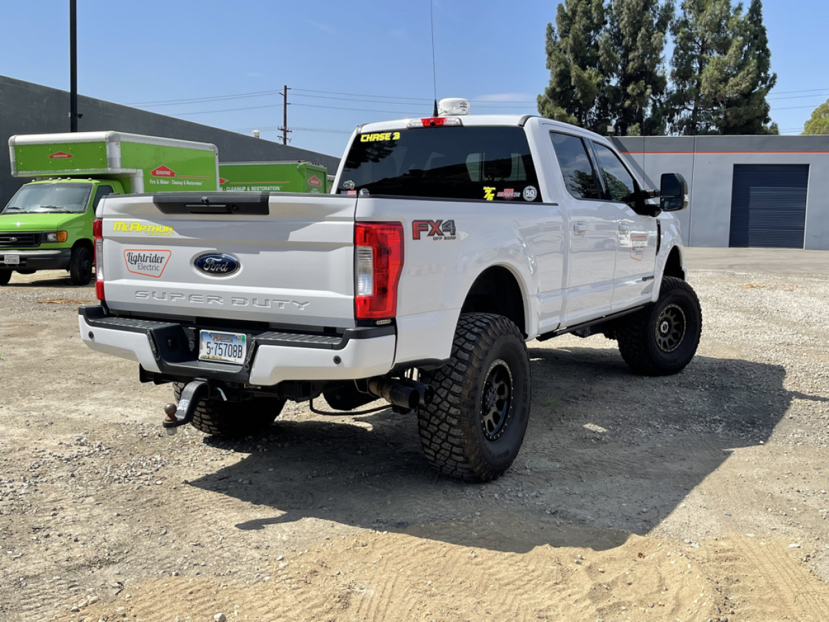 For Sale: 2017 Ford Super Duty Chase Truck - photo0