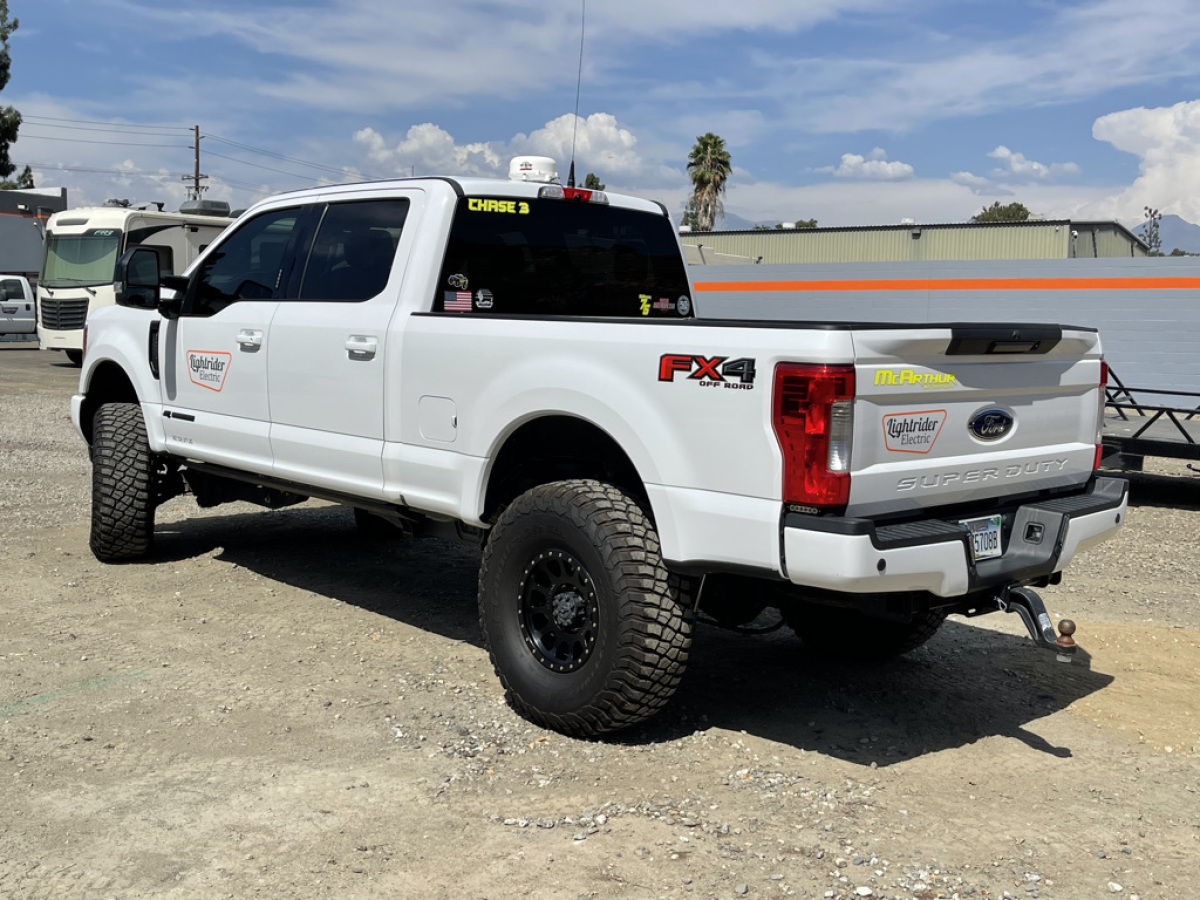 For Sale: 2017 Ford Super Duty Chase Truck - photo2