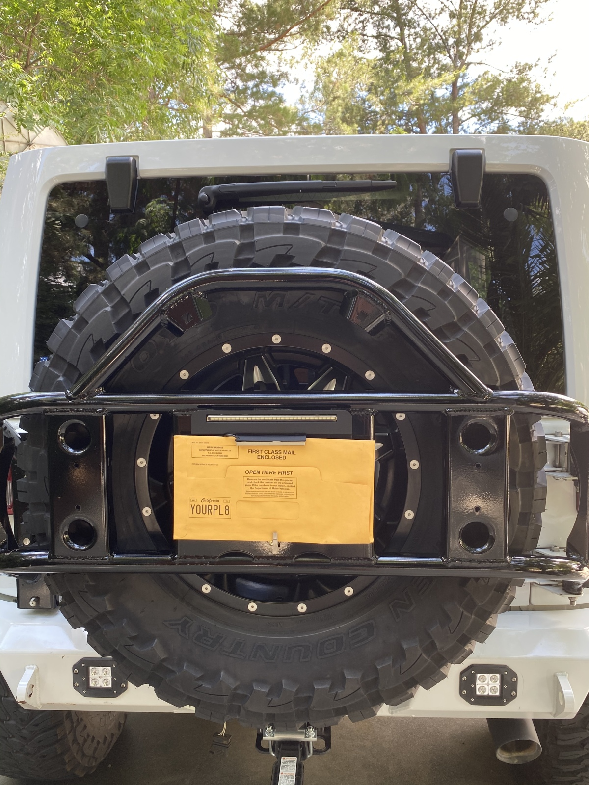 For Sale: Jeep 37x13.5x18 wheels and tires - photo2