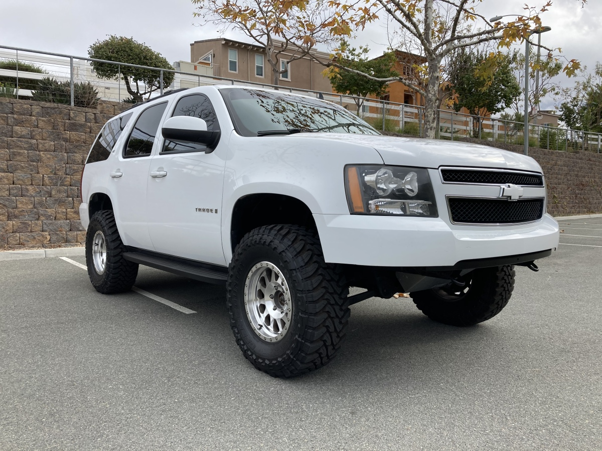 For Sale: 2009 Chevy Tahoe 4X4 on 35s - photo1