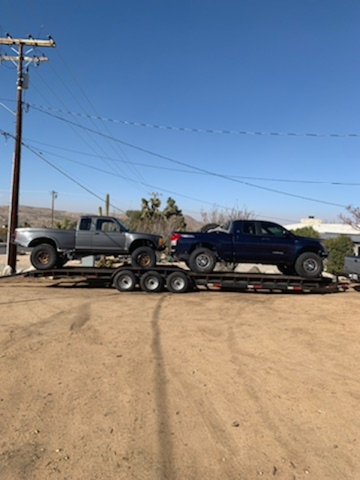 For Sale: 32 Ft Drive-over Fender Trailer - photo1