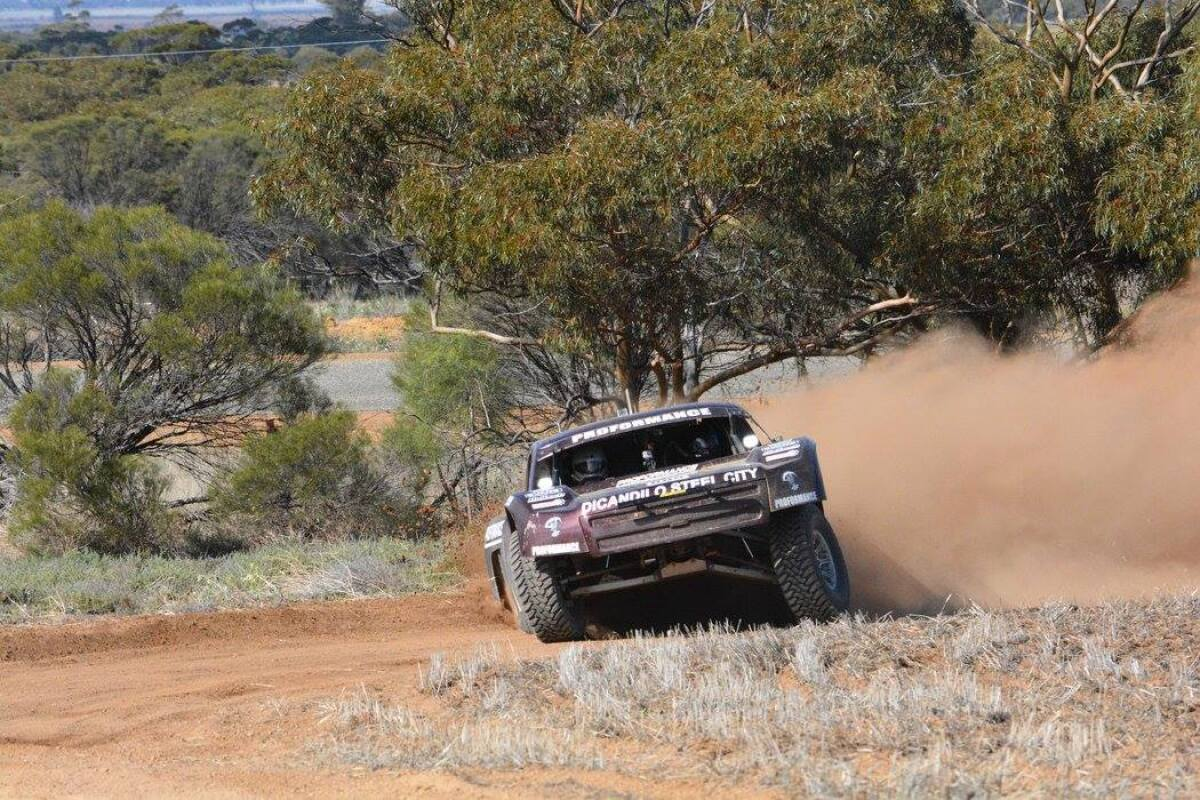 For Sale:   AWD - 4WD - 4X4 Trophy Truck - Mid Mounted Engine - IFS - IRS 30 - photo17