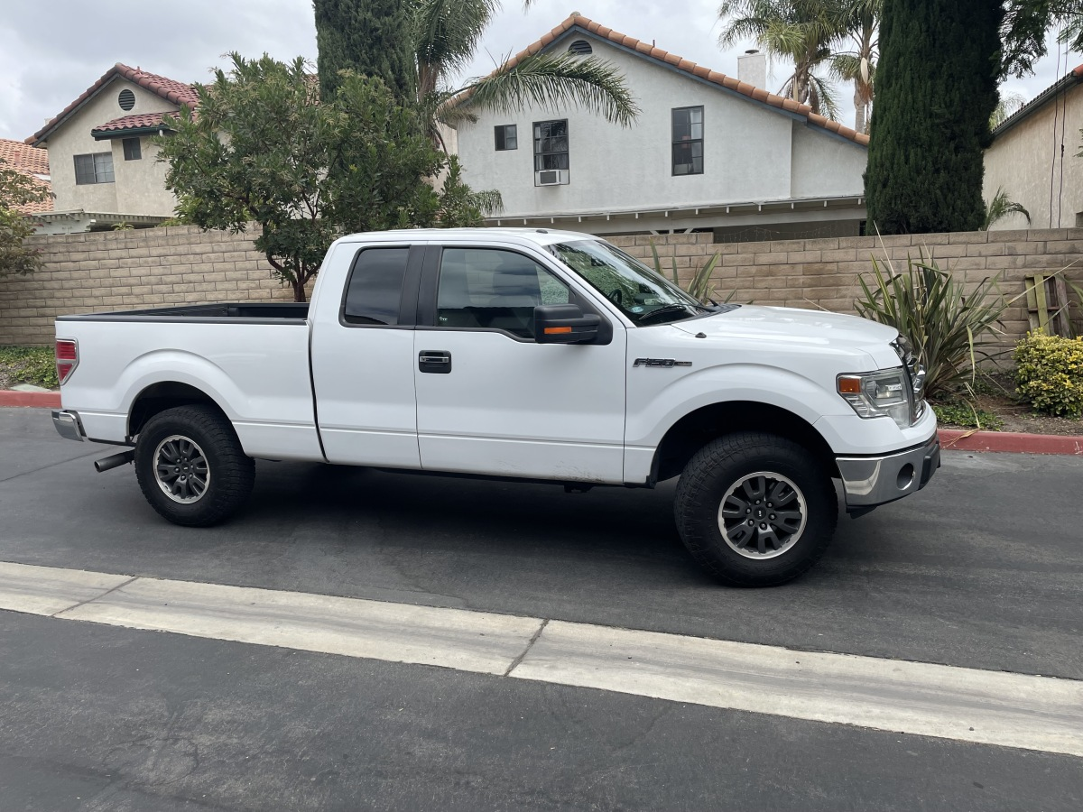 For Sale: 2014 Ford F150XLT - photo0