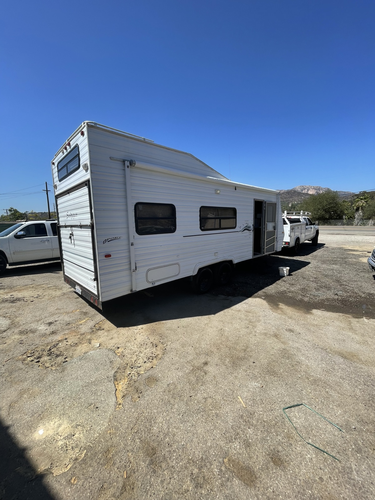 For Sale: 25ft Toy Hauler - photo0