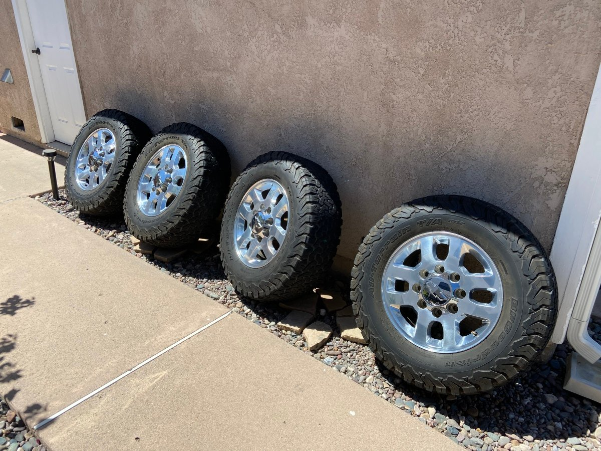 "For Sale: Chevy 2500HD 18"" Wheels - photo0"