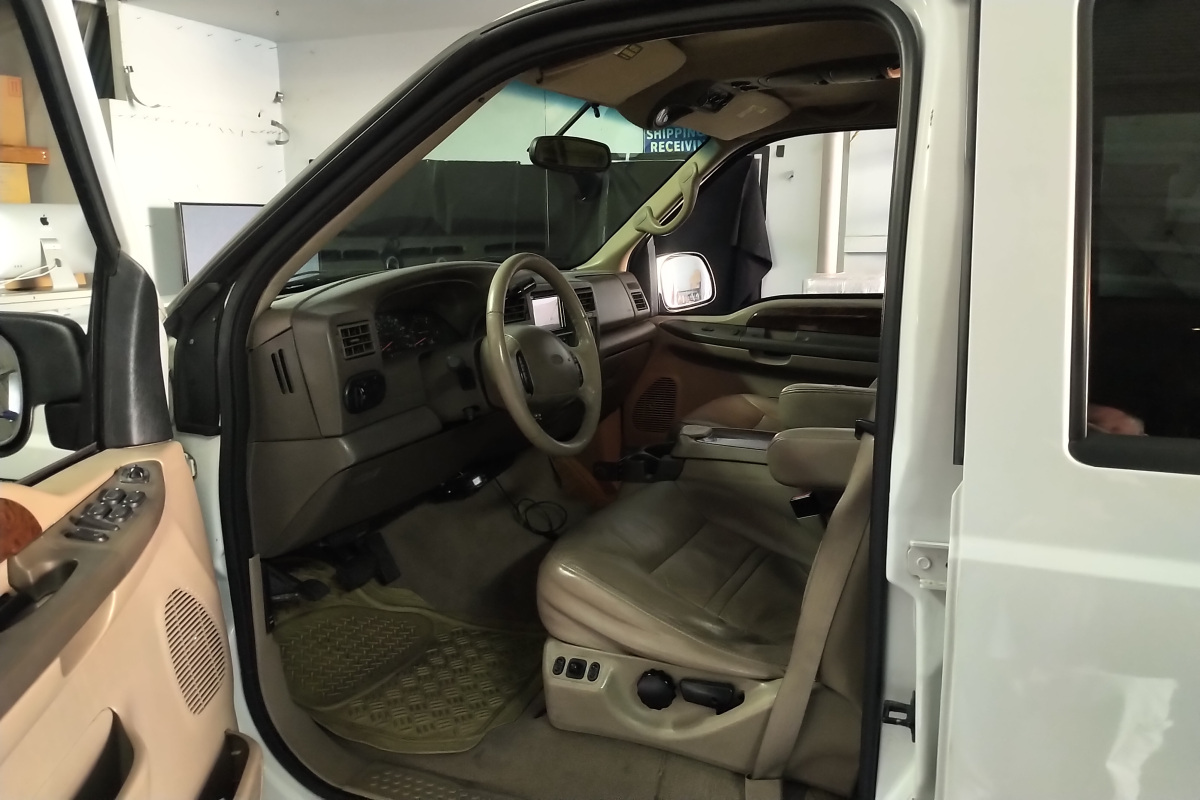 For Sale: Ford Excursion Limited Diesel 7.3 - photo1