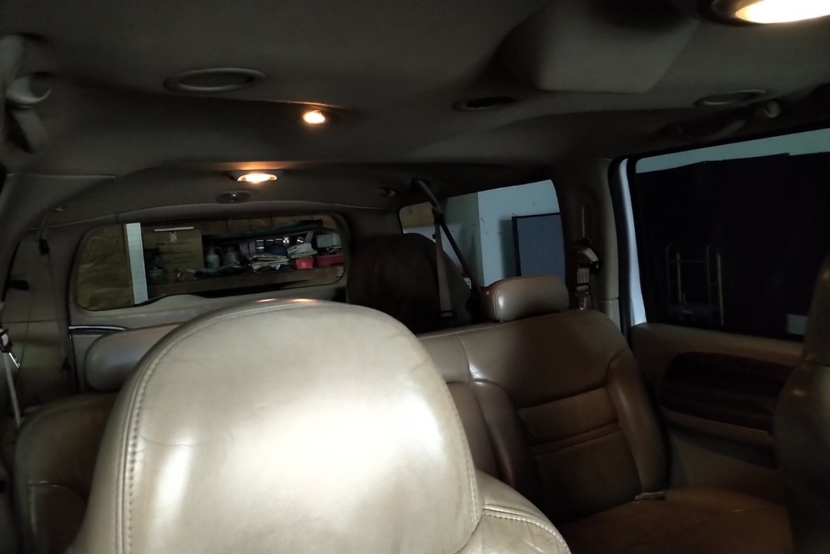 For Sale: Ford Excursion Limited Diesel 7.3 - photo6