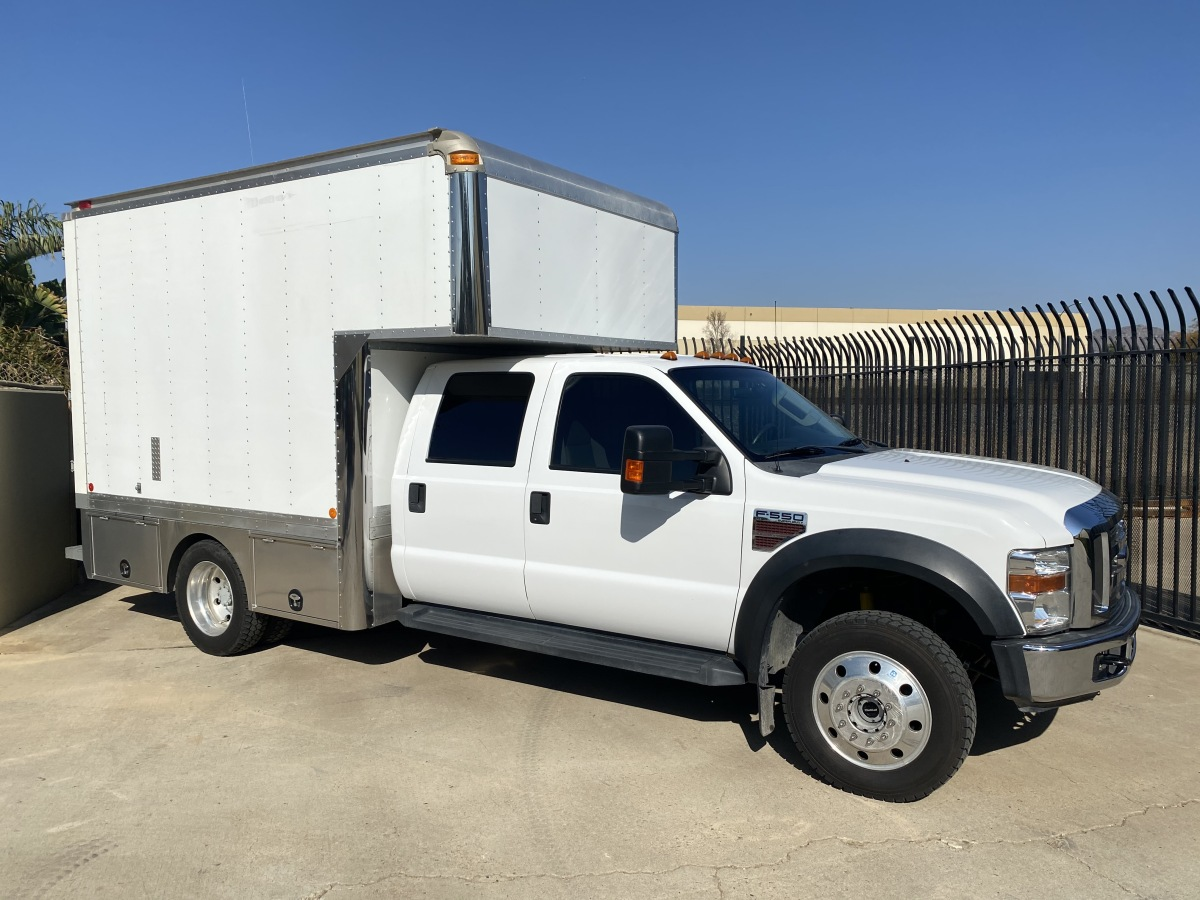 For Sale: 2008 Ford F550 Crewcab 4x4 - photo2