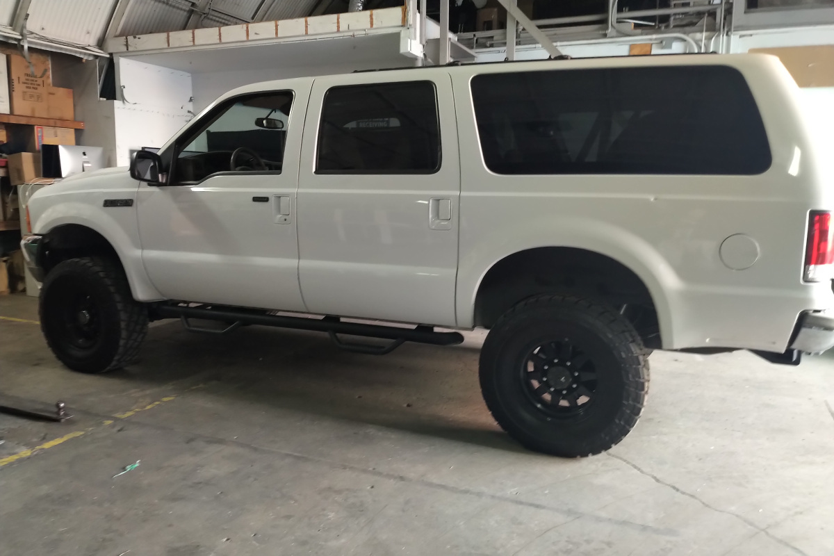 For Sale: Ford Excursion Limited Diesel 7.3 - photo0
