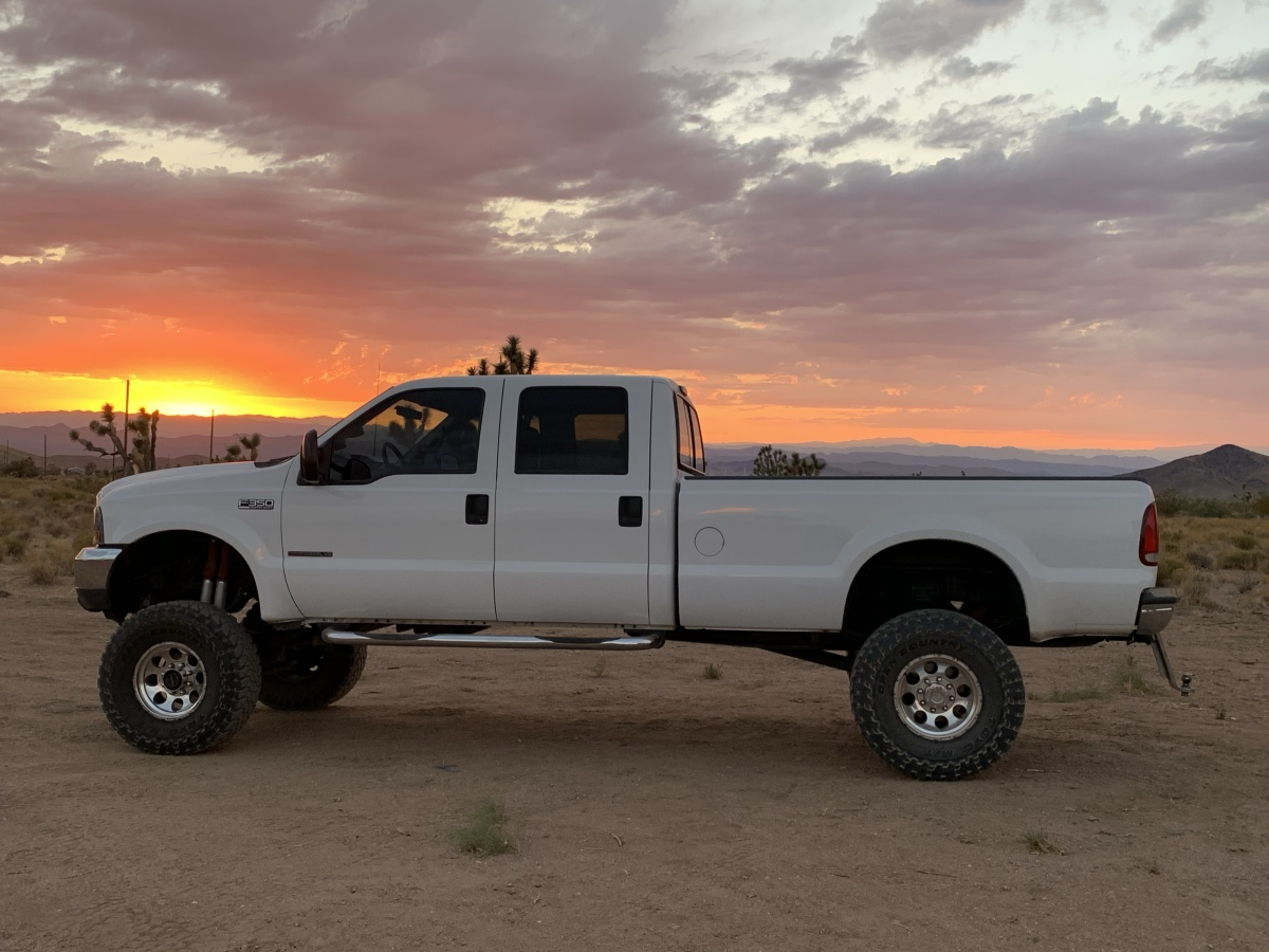 For Sale: 2000 Ford F-350 Diesel 4X4 7.3 Truck  - photo0