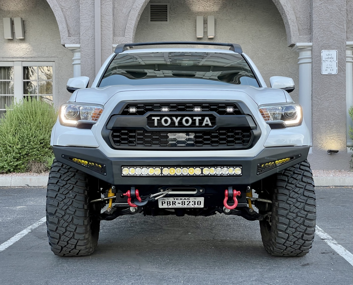 For Sale: 2019 Toyota Tacoma Offroad 4x4 v6 Like New over $60k build! - photo8