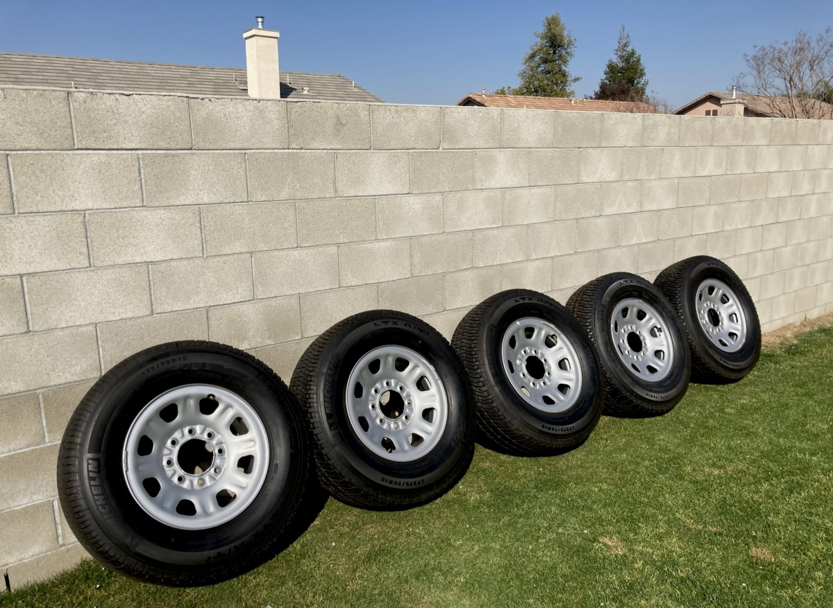 For Sale: LT 275/70R18 Michelin Truck Tires and Wheels - photo0