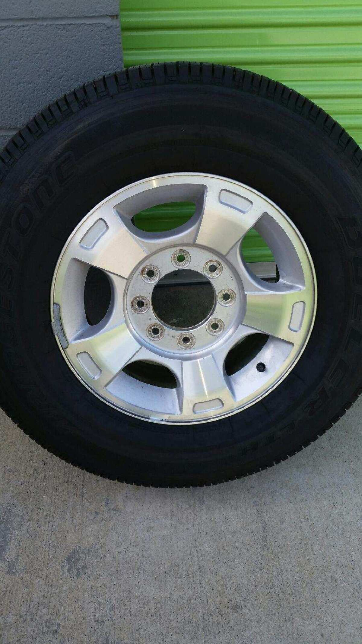 For Sale: Ford Super Duty Wheels - photo0