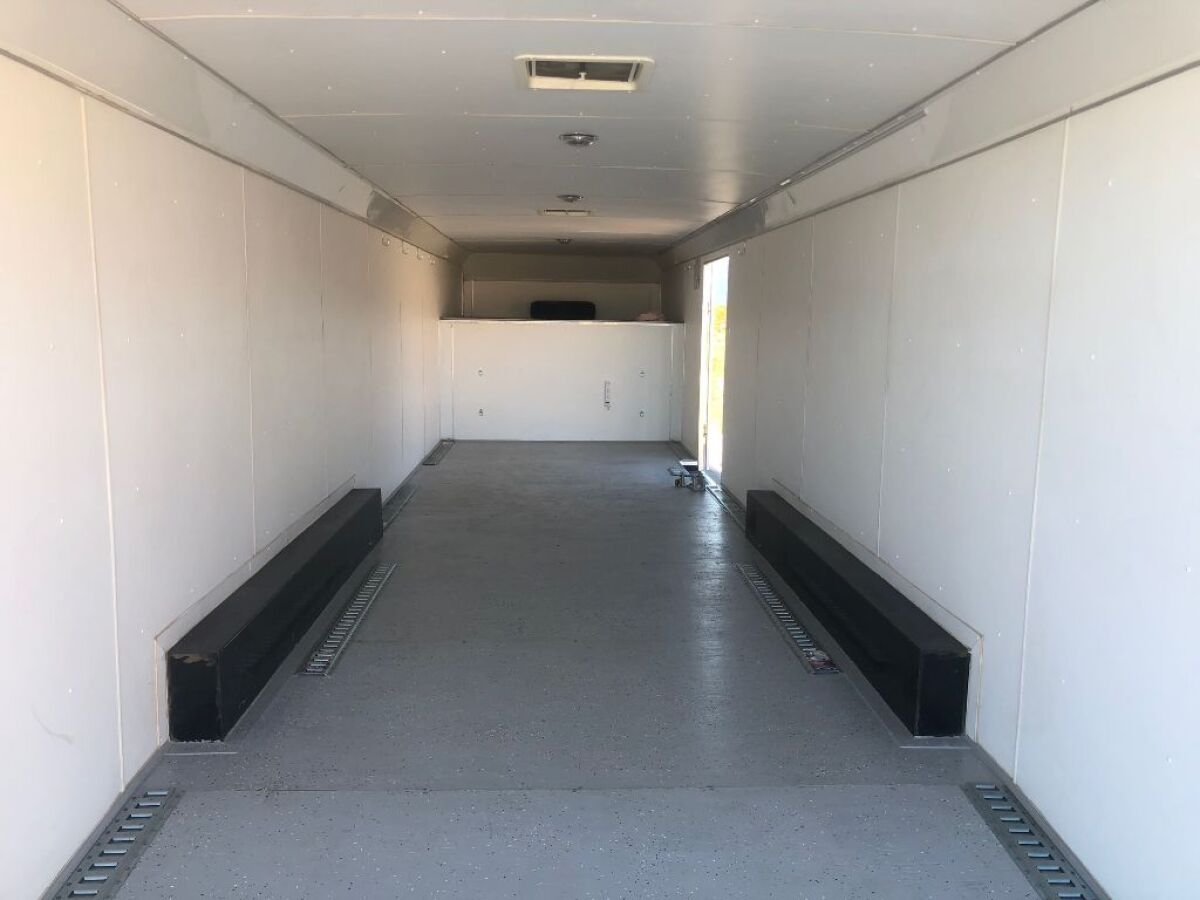For Sale: 2009 Haulmark 38 foot gooseneck enclosed trailer - photo8