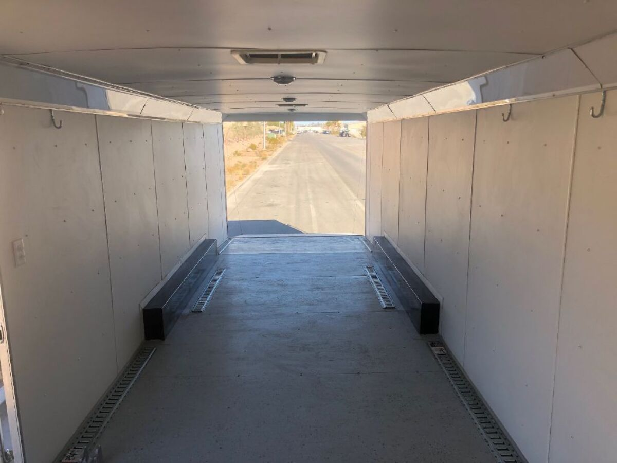 For Sale: 2009 Haulmark 38 foot gooseneck enclosed trailer - photo9