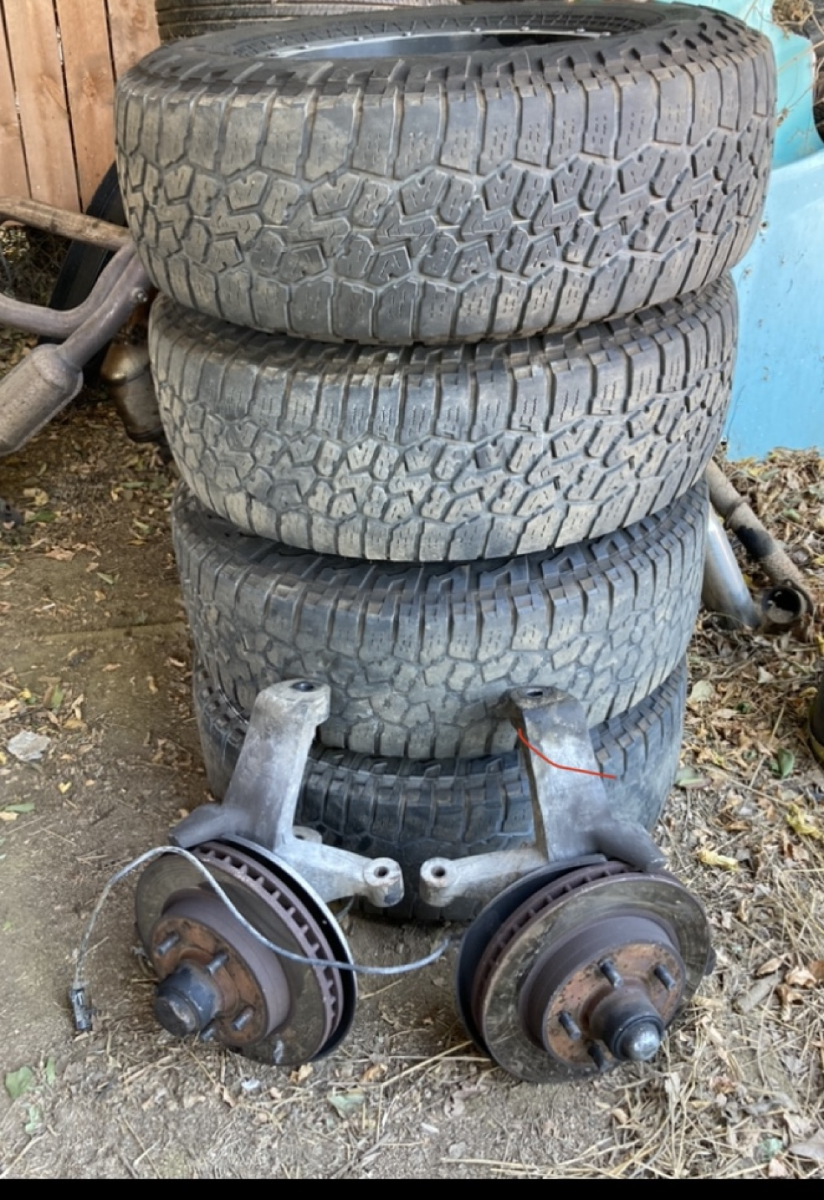 For Sale: 88-98 chevy/ GMC lift spindles  - photo0