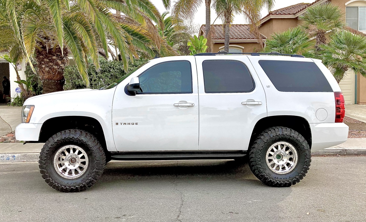 For Sale: 2009 Chevy Tahoe 4X4 on 35s - photo0