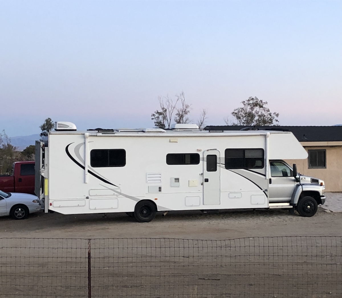 For Sale: Motorhome toy hauler  - photo0