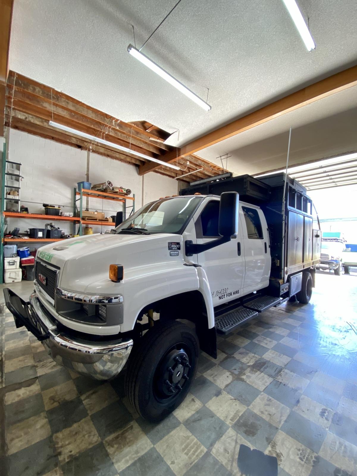 For Sale: Kodiak 4500 4X4 Duramax Chase Truck - photo1