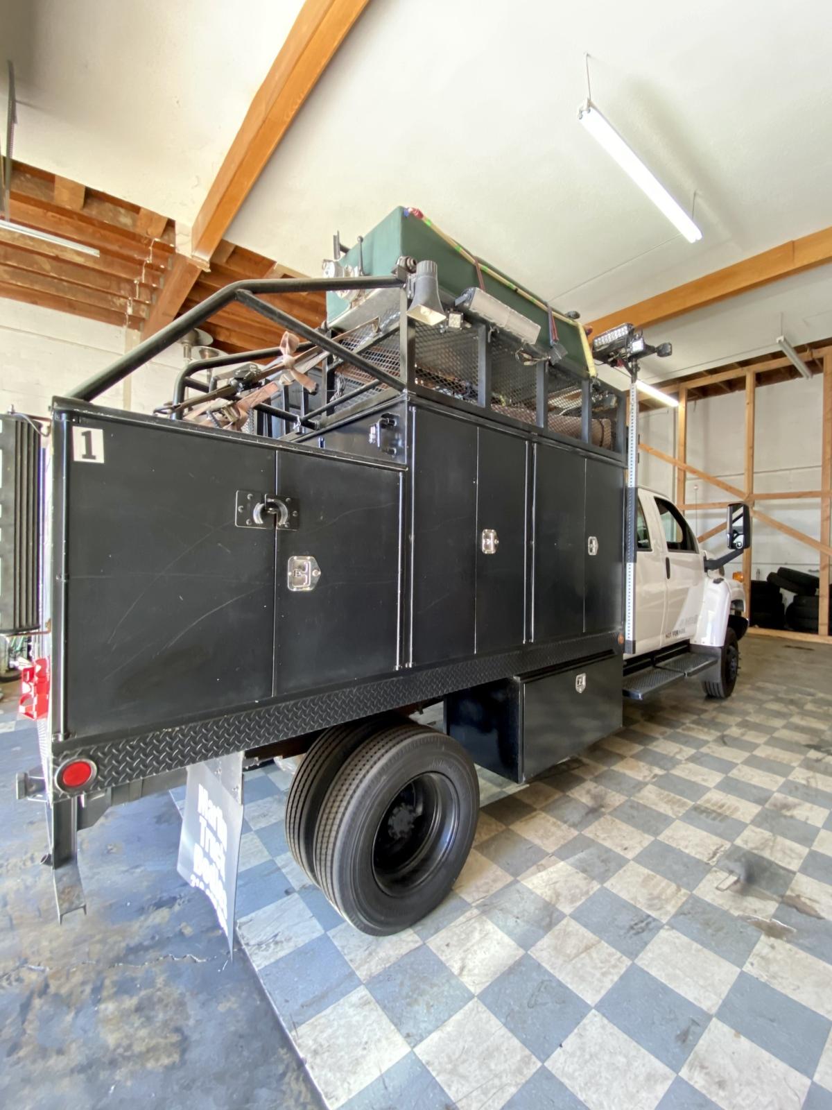 For Sale: Kodiak 4500 4X4 Duramax Chase Truck - photo3