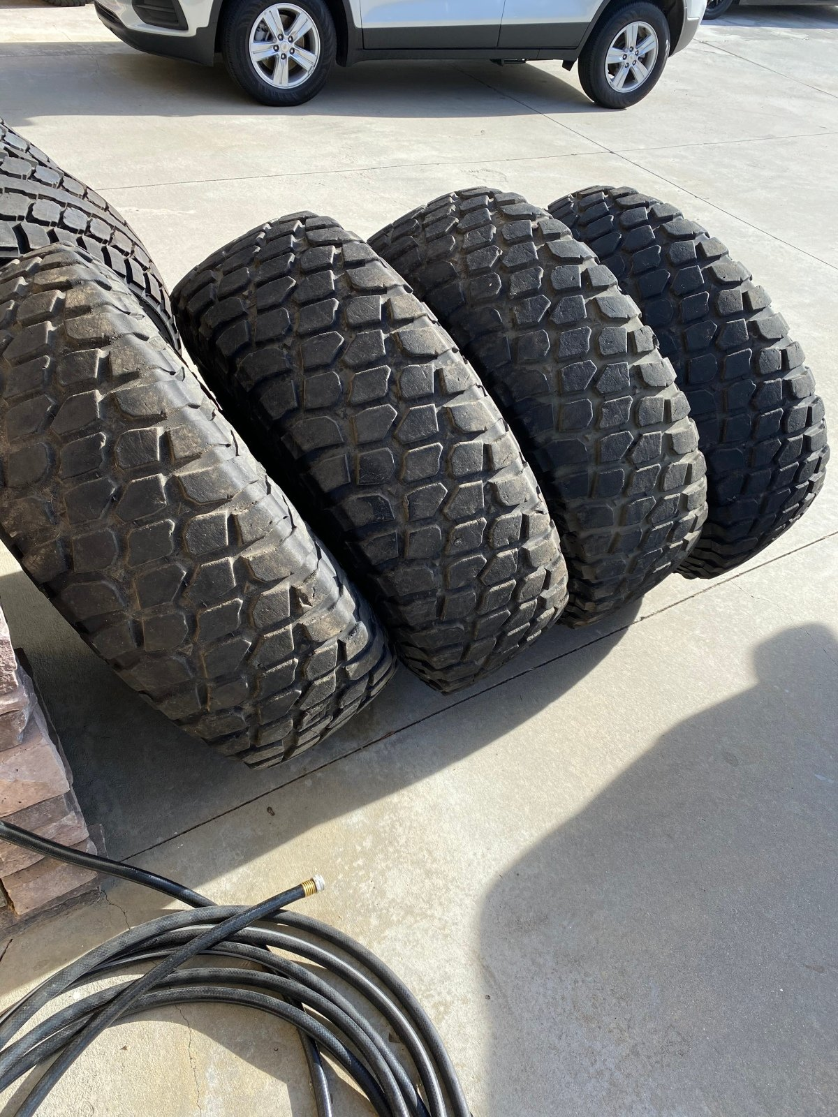 "For Sale: 37"" tires on methods - photo0"