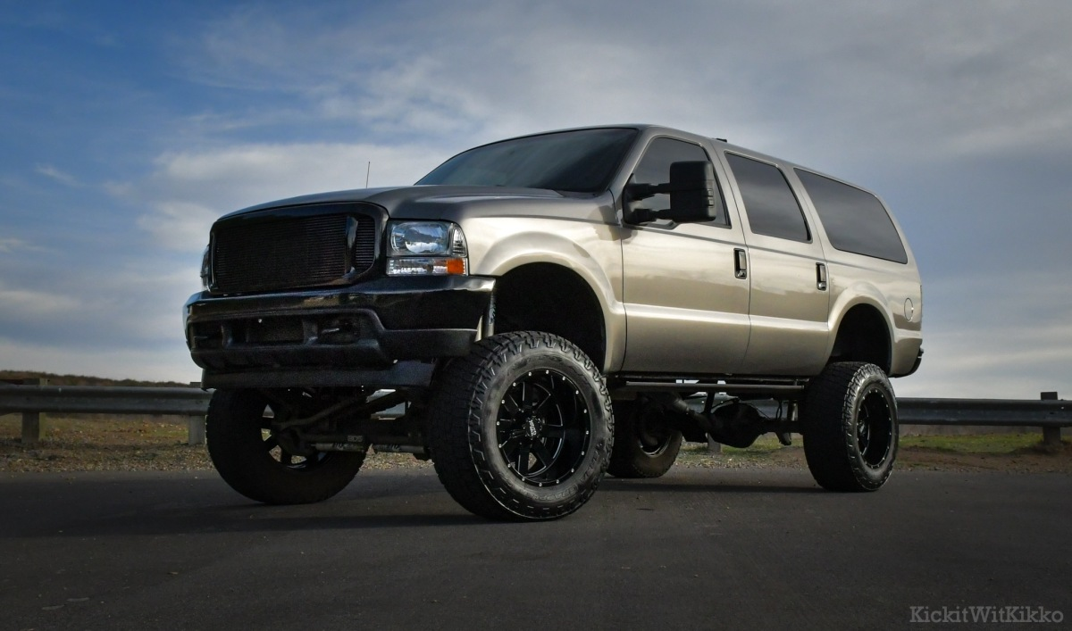 For Sale: 2000 Ford Excursion 4X4 7.3 Diesel - photo0