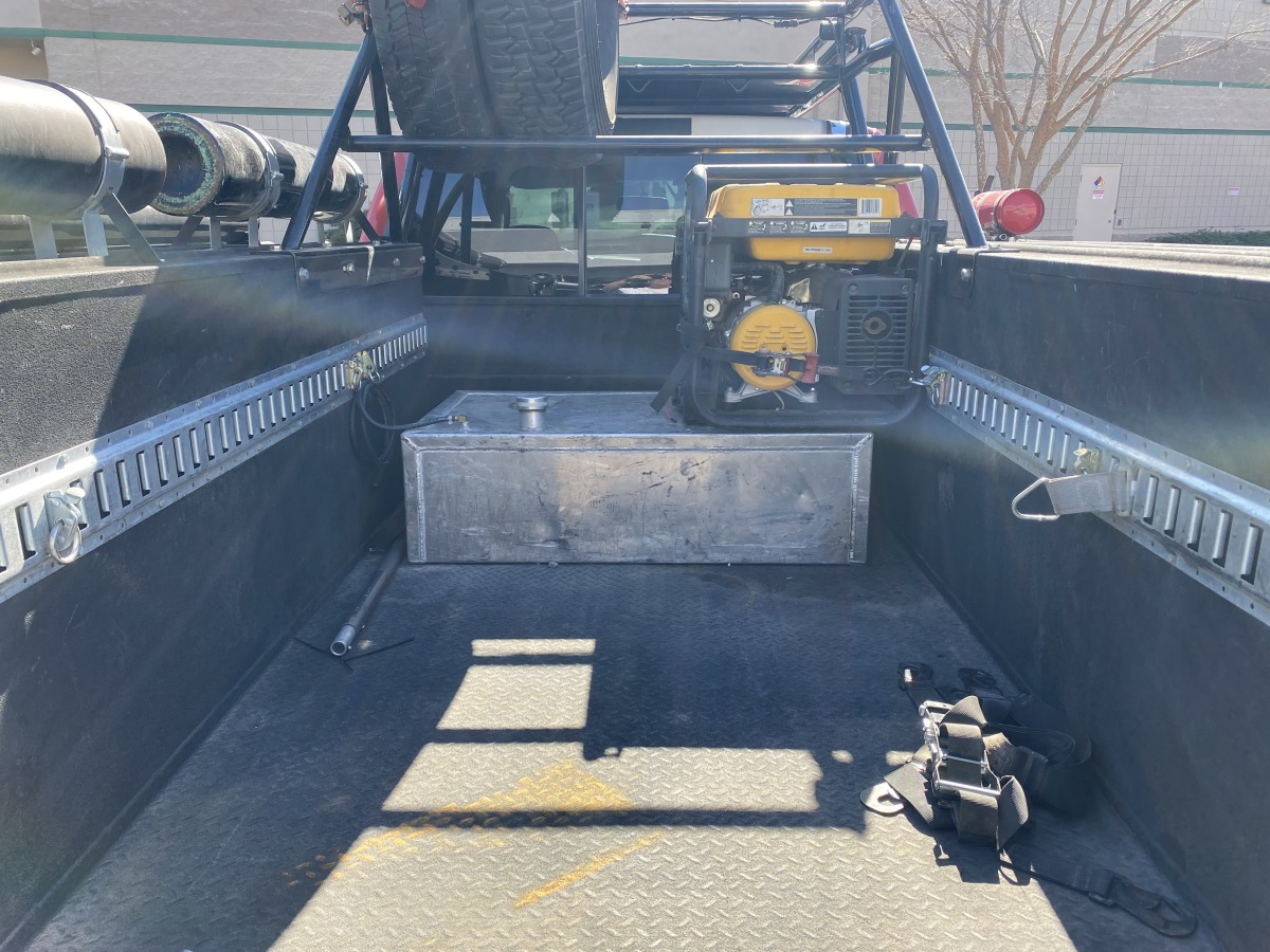 For Sale: Chase Truck, Ford F550, Diesel 6L, new bulletproof kit  - photo4