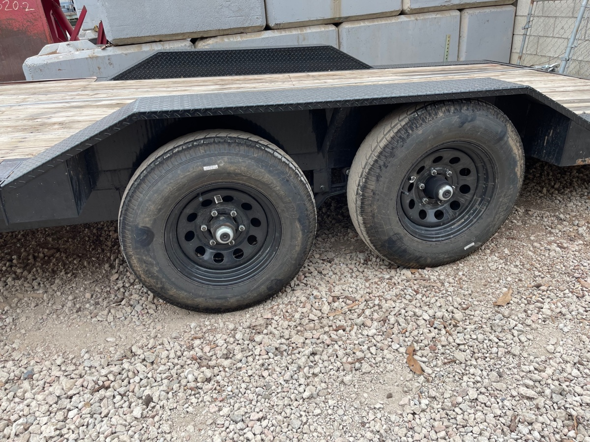 For Sale: 8.5' x 18' 2021 Drive Over Deck Utility Trailer  - photo3