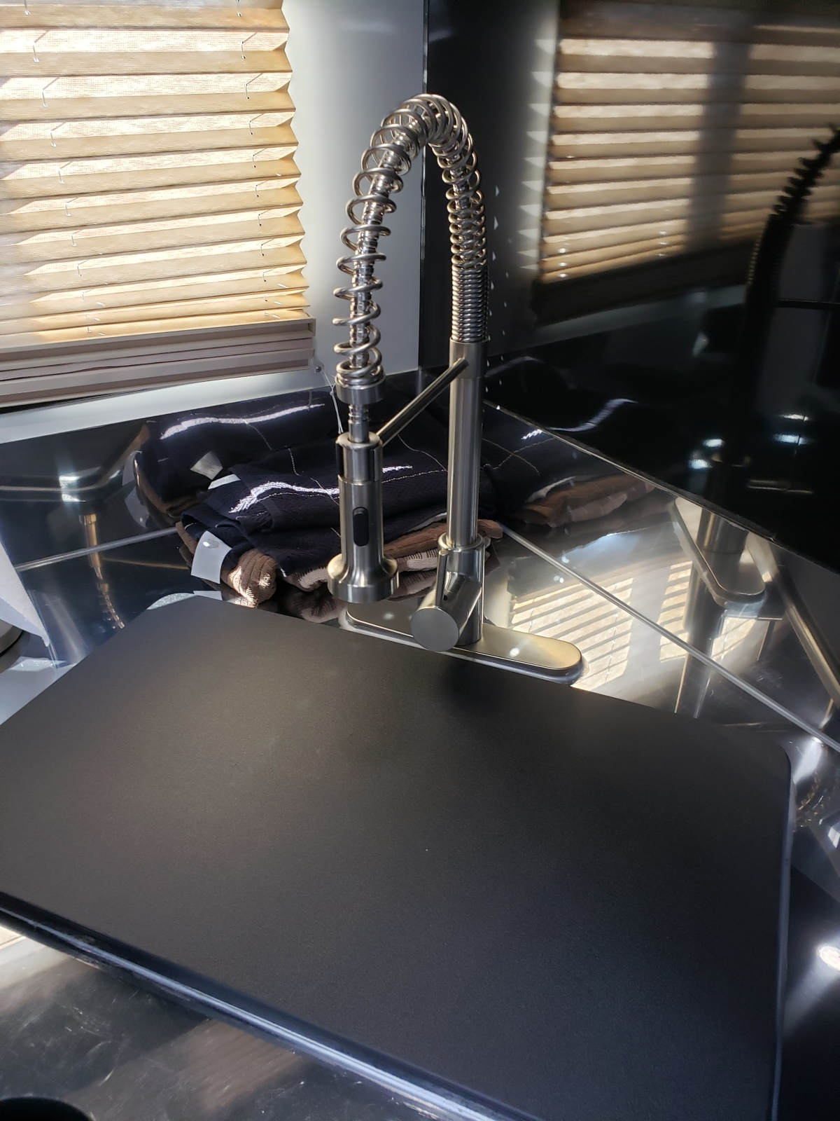 For Sale: Race Trailer With Luxury Living Quarters - photo16