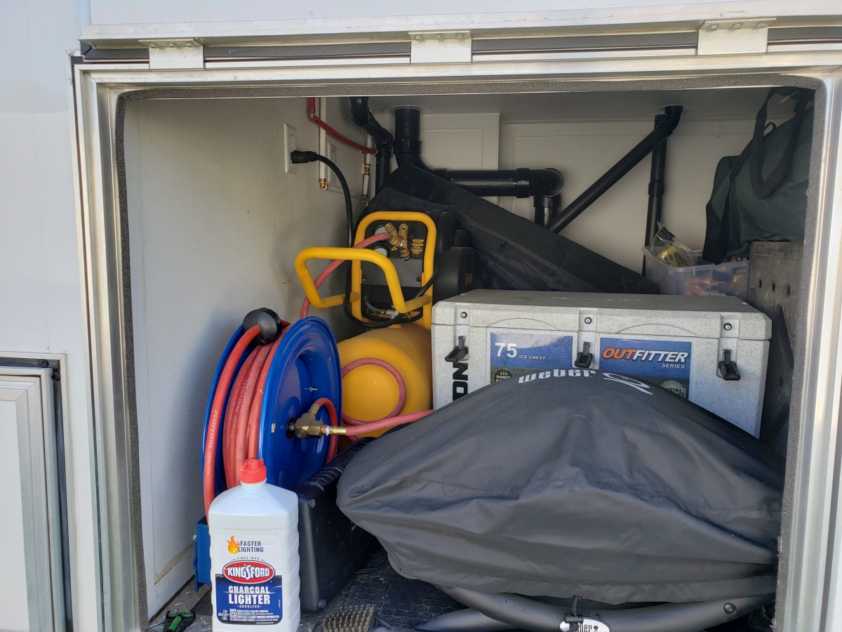 For Sale: Race Trailer With Luxury Living Quarters - photo32