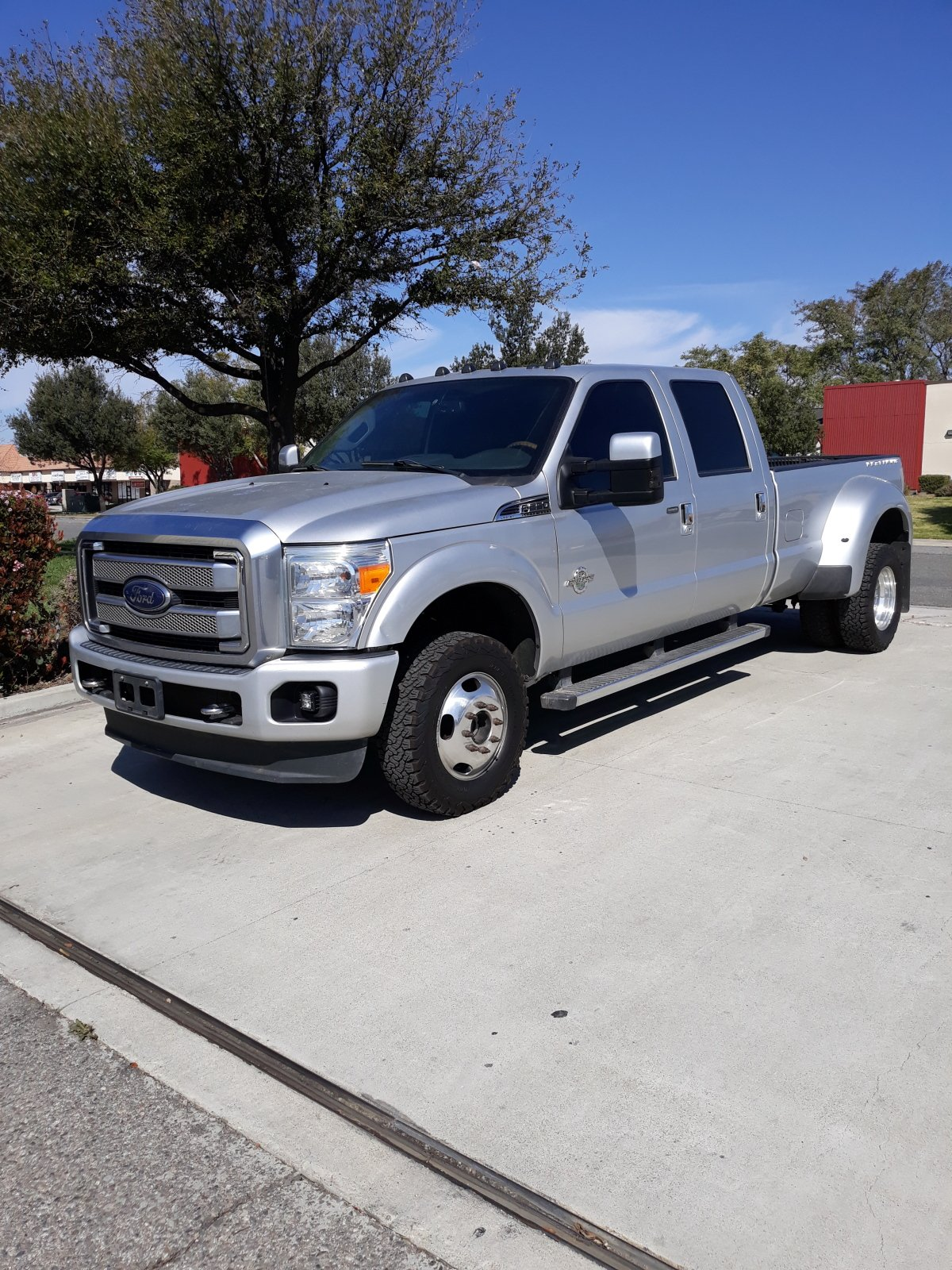 For Sale: 2016 Ford F350 Platinum 4x4 Dually - photo0