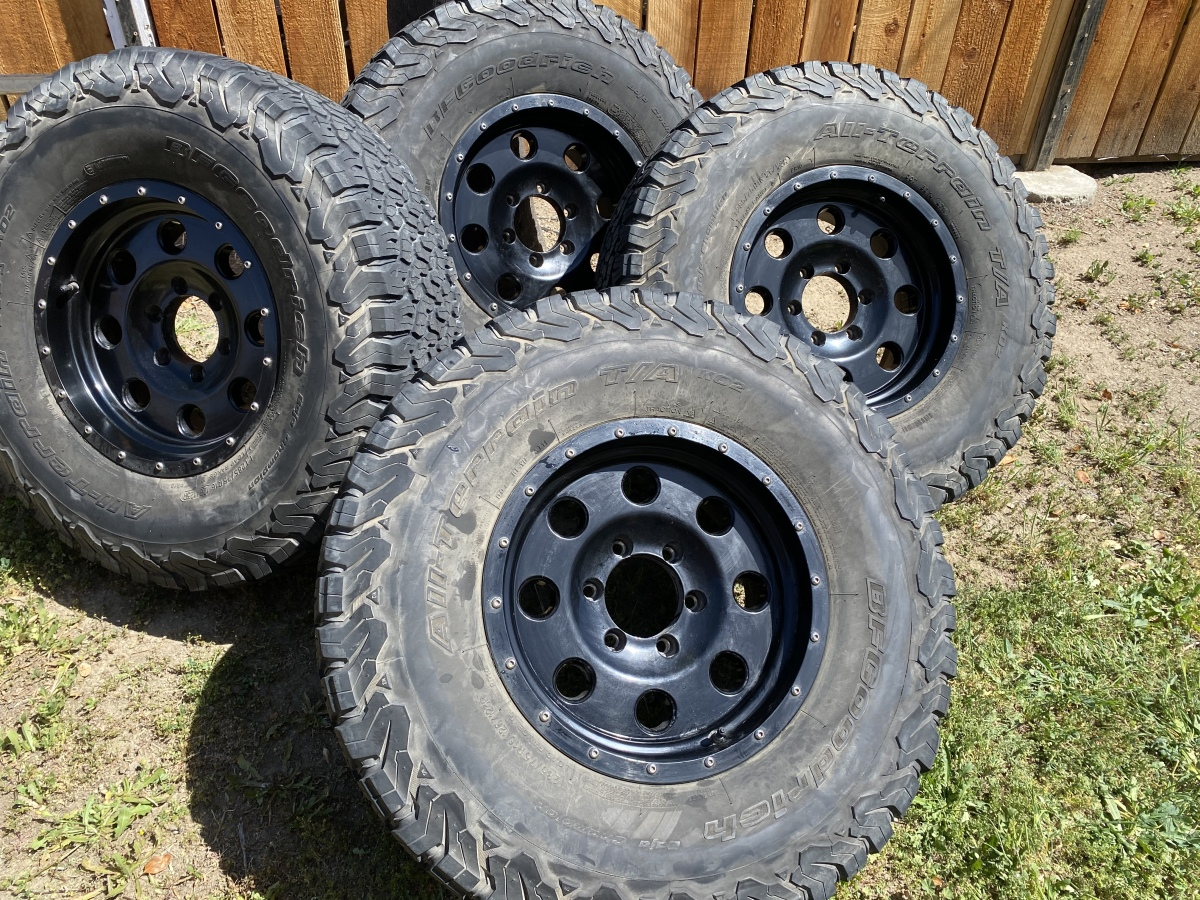 For Sale: 4 American racing Mojave wheels and tires  - photo0