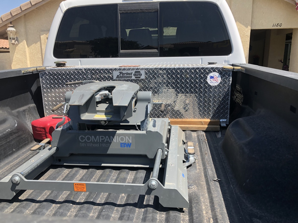 For Sale: 5th wheel hitch - photo0