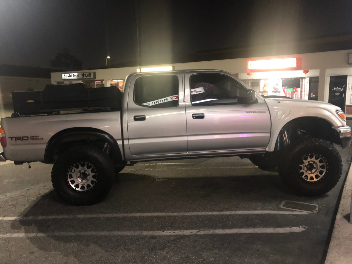 For Sale: Toyota Tacoma pre runner  - photo0