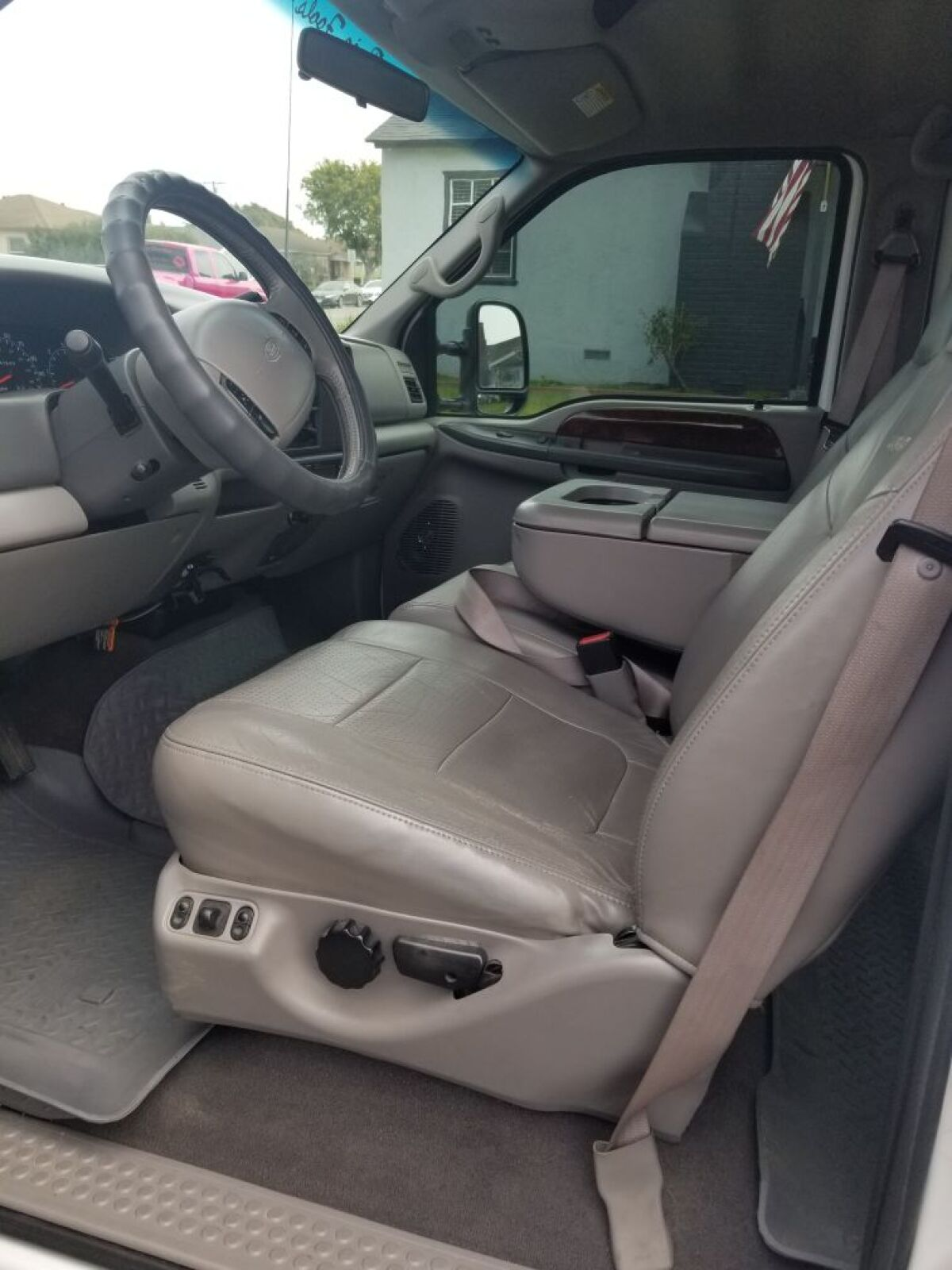 For Sale: 2001 Ford F250 4X4 V10 - photo7