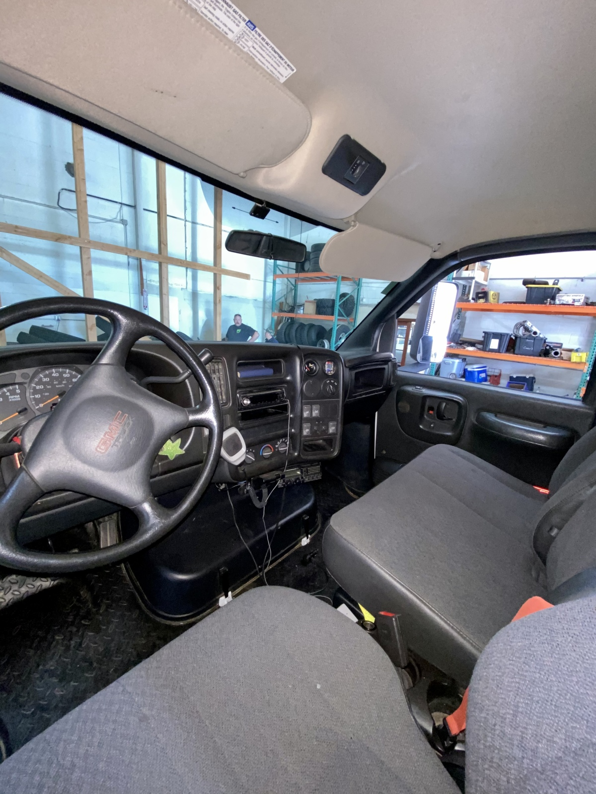 For Sale: Kodiak 4500 4X4 Duramax Chase Truck - photo6