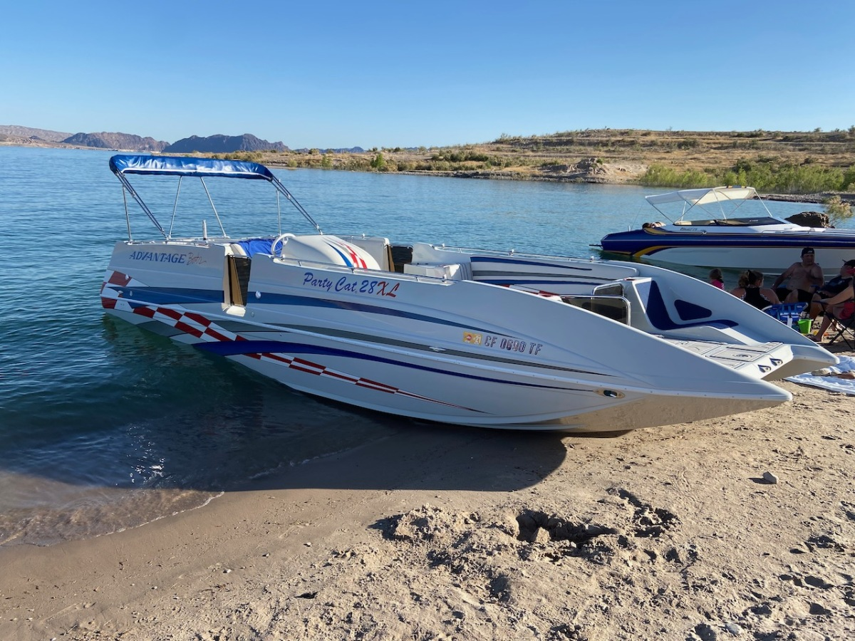 For Sale: 2003 Advantage 28 Party Cat XL Deck Boat Performance HO 496 Magnum Bravo 3 Drive Imco Dual Ram Hydraulic Steering  - photo13