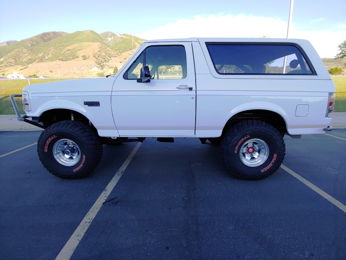 For Sale: 1996 Bronco XL Chase/Pre-Runner - photo0