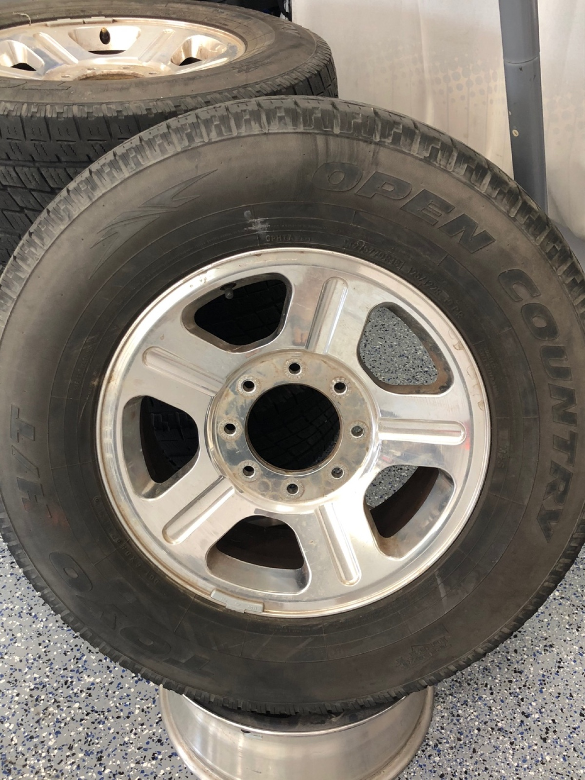 For Sale: Ford F250 Factory Alloy Wheels (5) - photo0
