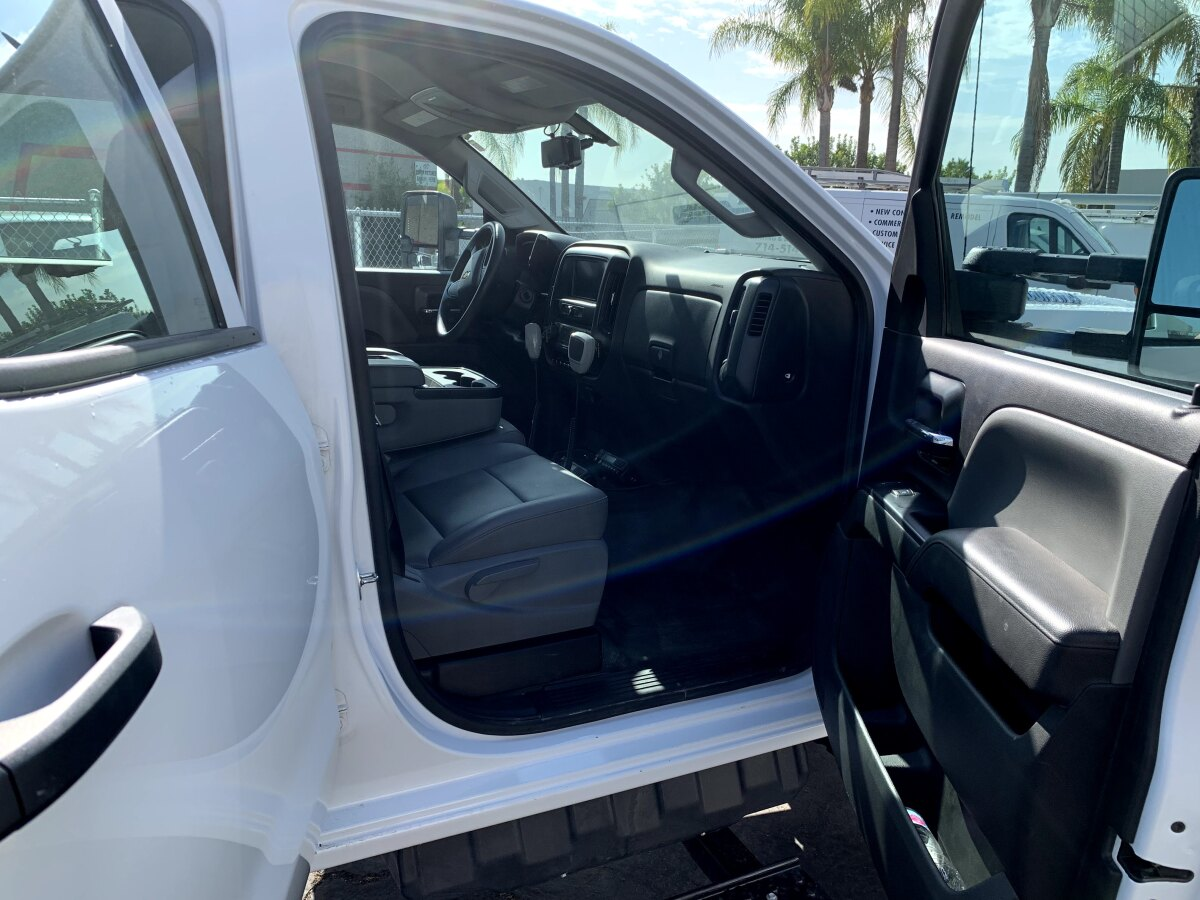 For Sale: 2019 Chevrolet 5500HD Crew Cab Chase Truck - 4x4 - photo5