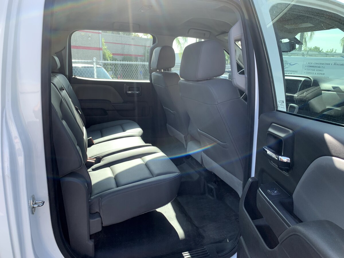 For Sale: 2019 Chevrolet 5500HD Crew Cab Chase Truck - 4x4 - photo6