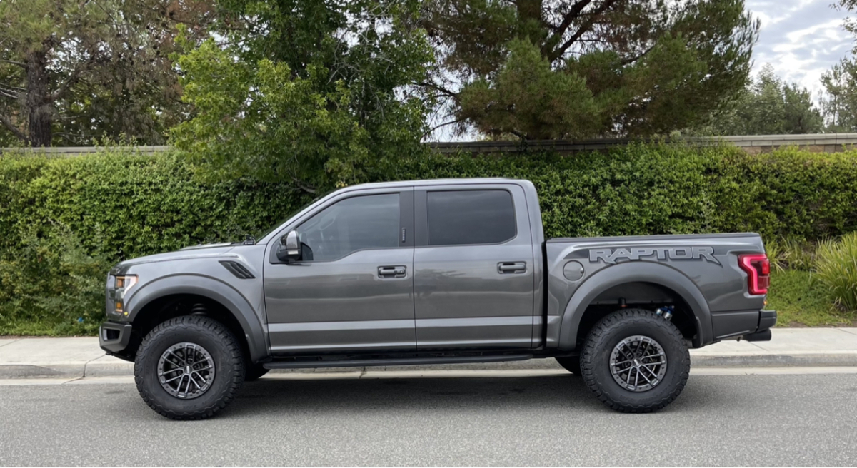 For Sale: 2018 Ford Raptor Excellant condition  - photo0