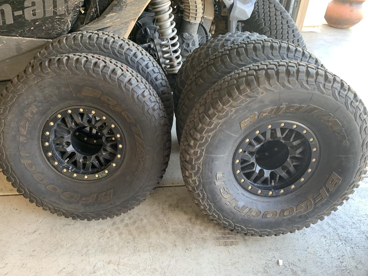 """For Sale: BFG 35"""" KR3 tires on Raceline Beadlocks - photo0"""