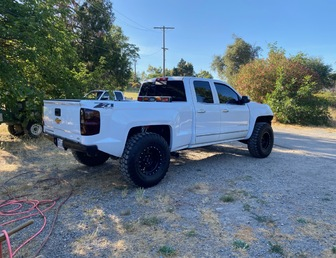 For Sale:2017 Chevy 4x4 Prerunner