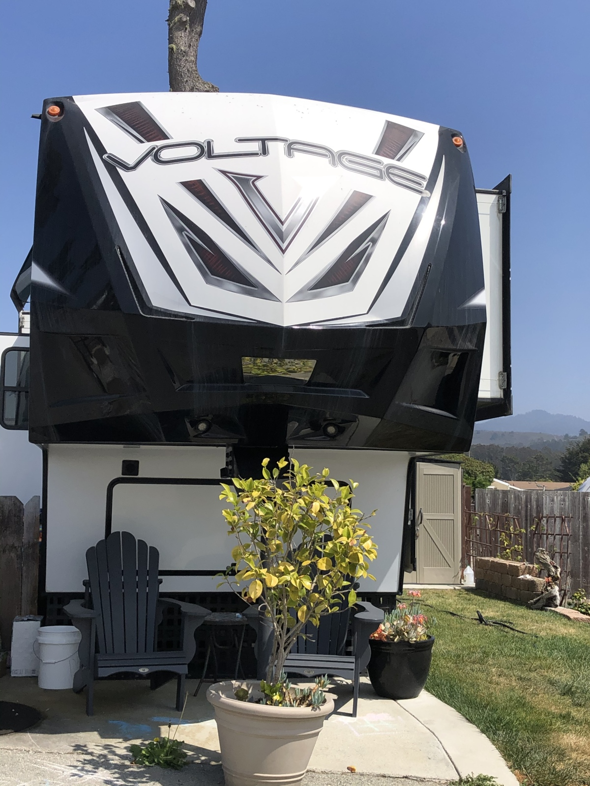 For Sale: 5TH WHEEL TOY HAULER 2018 VOLTAGE 39FT - photo0