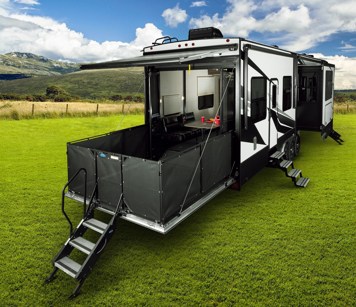 For Sale: 5TH WHEEL TOY HAULER 2018 VOLTAGE 39FT - photo44