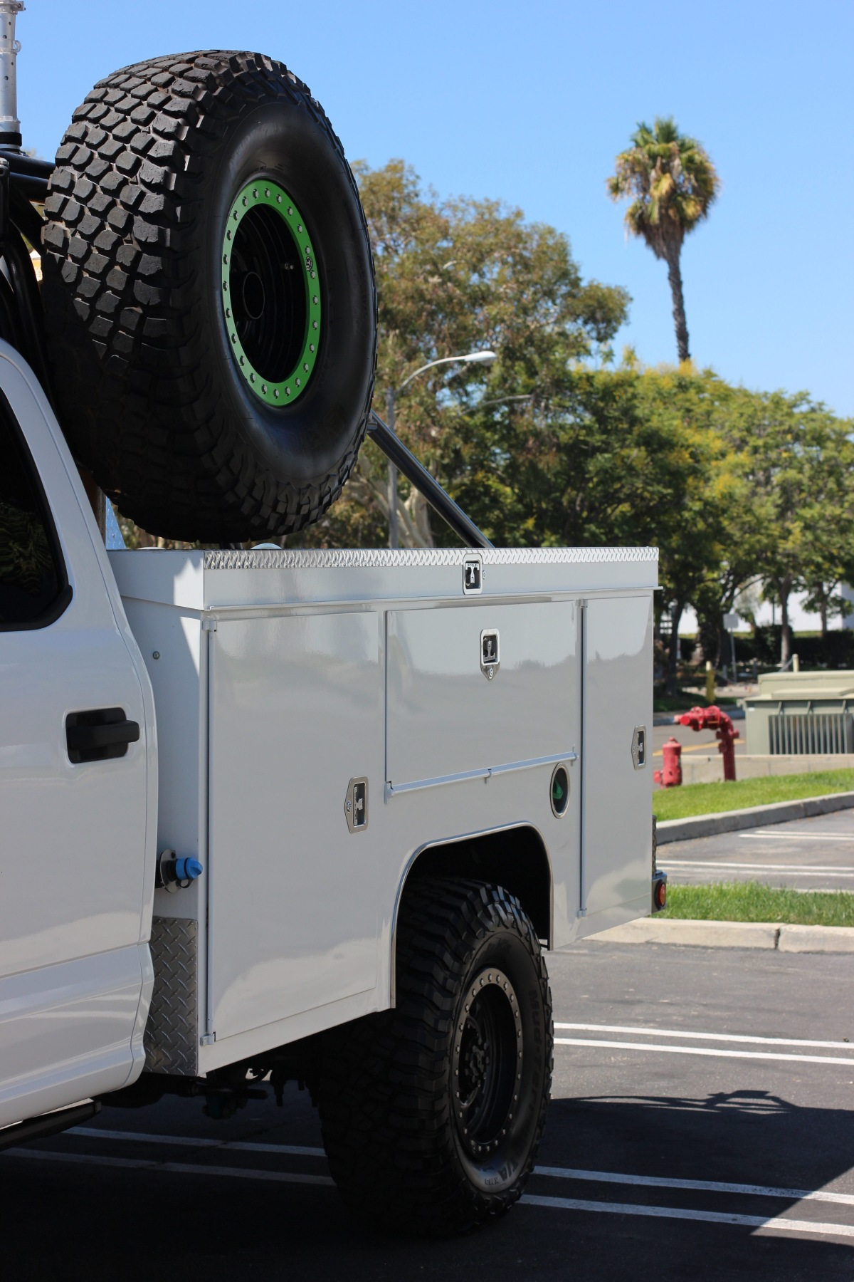 For Sale: 2019 Ford F-350 Chase Truck - photo3
