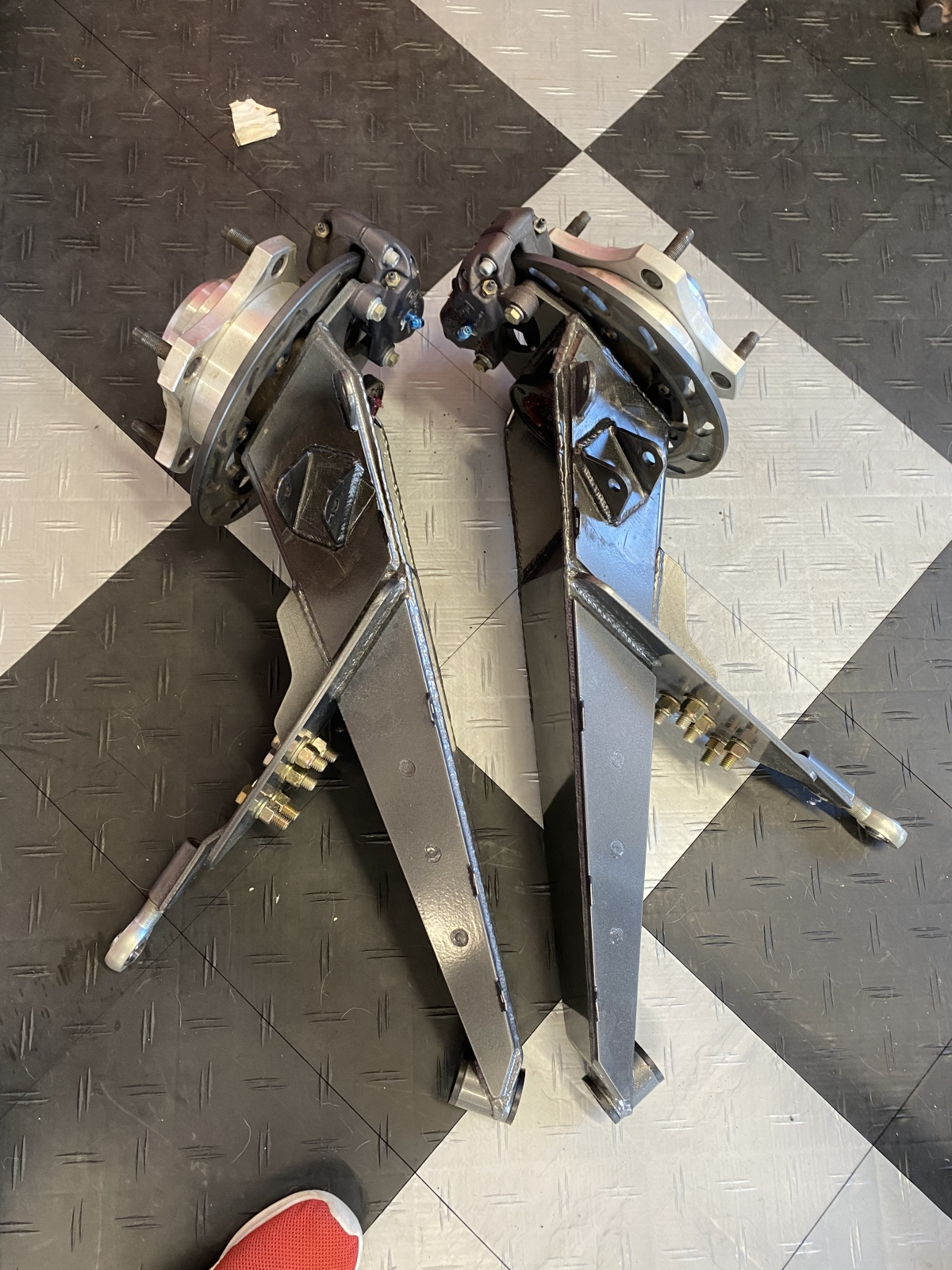 For Sale: 3x3 trailing arms, brakes and hubs.  - photo0